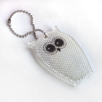 Owl-shaped reflector with chain